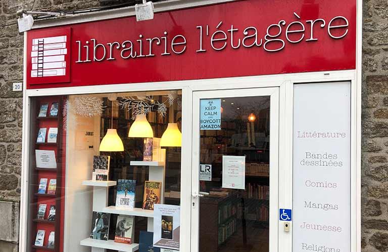 devanture de la librairie l'étagère à saint-malo