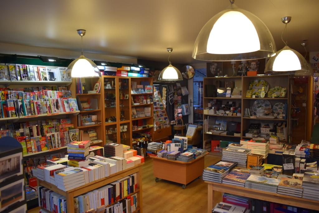 intérieur de la librairie Le Porte Plume à saint-malo